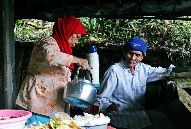 Famille buvant le café- bienfaits du café sur l'organisme